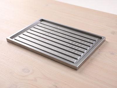 溝付きオリジナル鉄板